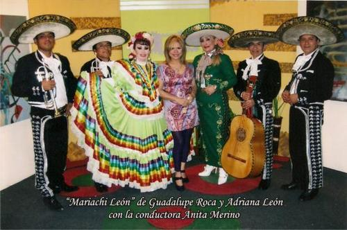 PERUVIAN MARIACHIS GUADALUPE EN LIMA-ROCK WITH ESCLESIASTICA