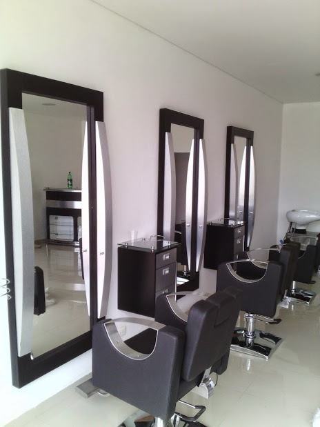MOUNT WOOD FRAMED MIRRORS AND COMFORT CHAIR