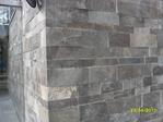 esquina hecha en piedra talamoye