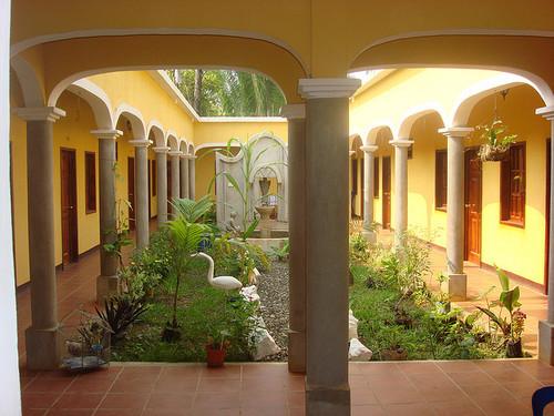 Central Garden Hotel Villa Santa Elena