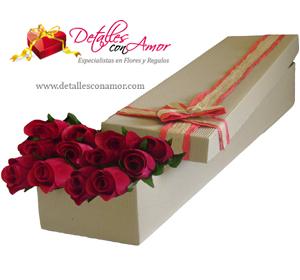 12 Rosas naturales en caja corrugada