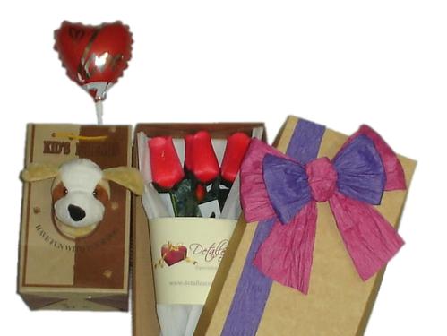 Caja de 03 rosas eternas + globo + perrito en bolsa