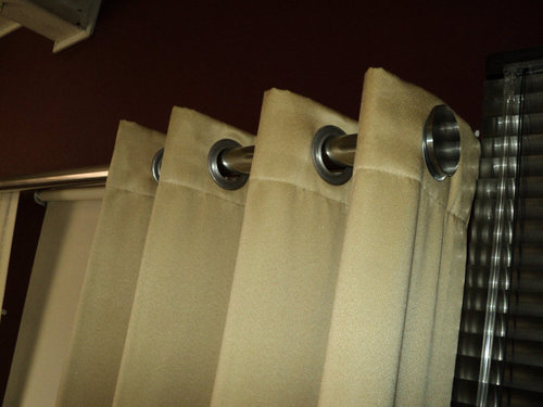 CURTAINS with eyelets and steel pipes