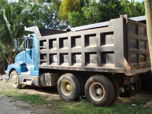 vendo camion de volteo 1988 kenworth exelente y toyota camry 1995