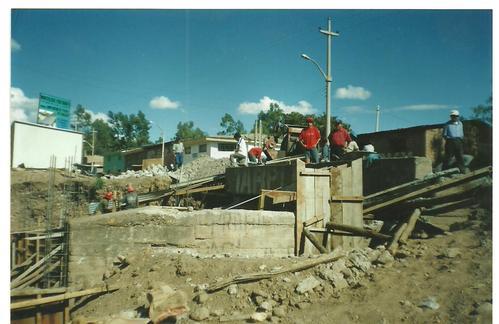 CONSTRUCCION PUENTE