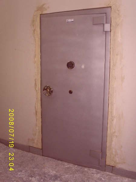 Puerta para Boveda