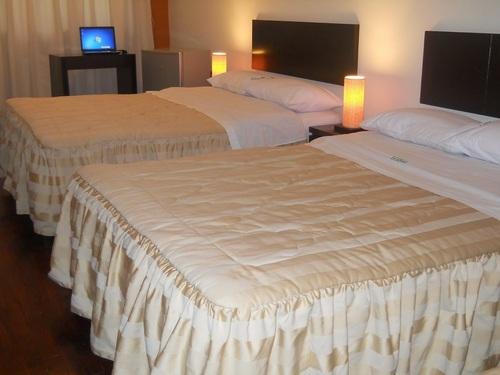 hotel familiar con cama, desayuno y cochera