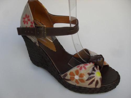 Sandalia en cuero, plataforma de 9 cm suave, livianas