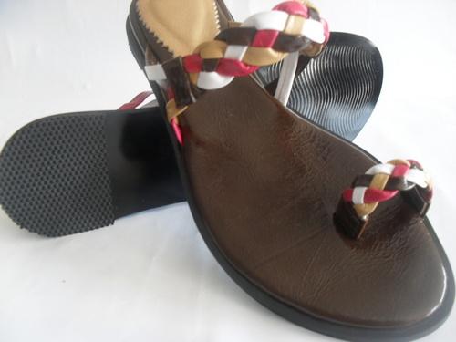 sandalia en cuero para mujer, bajitas, muy comodas