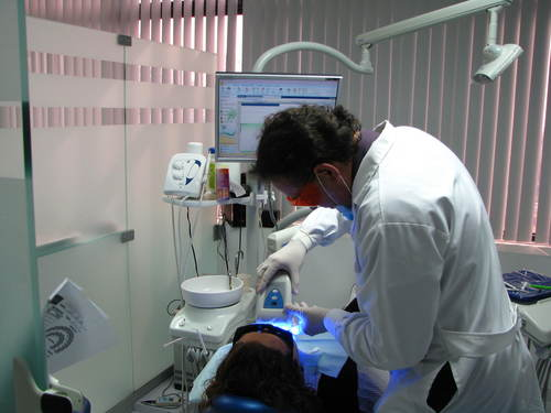 DENTAL WHITENING IN MIRAFLORES, LIMA