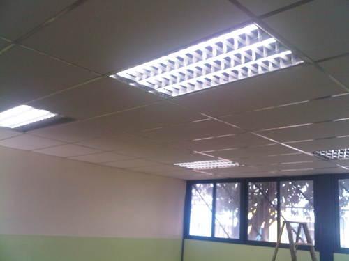 Iluminación, instalación eléctrica, lámparas especulares.