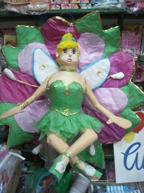 piñata de campanita en flor