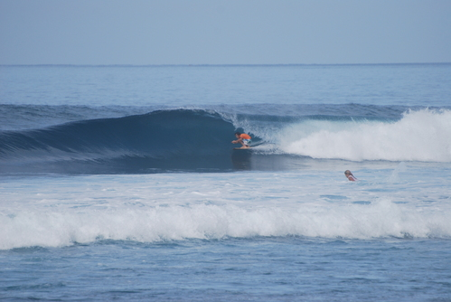 Las lindas olas en la Punta de Montañita!