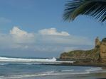 La famosa Punta de Montañita, a 30 metros de nuestro balsa surf camp!