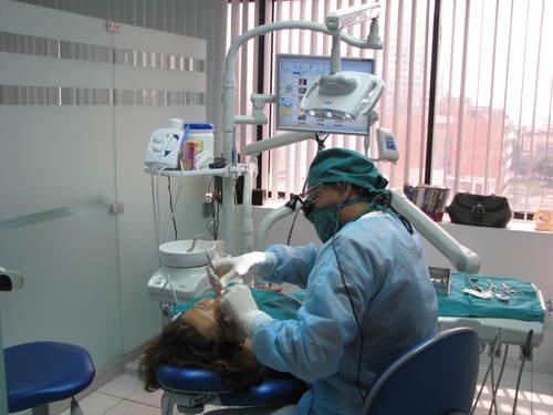 Emergencia dental en Miraflores, Lima