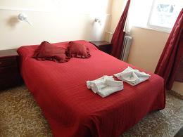 Comodos dormitorios finamente amueblados