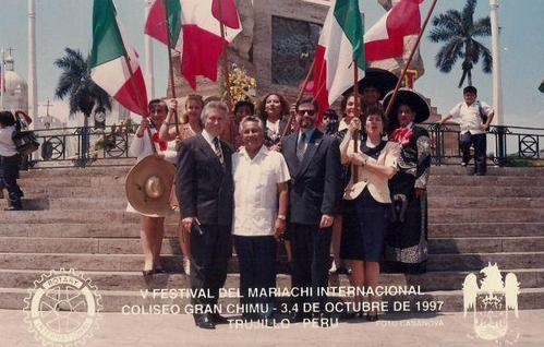Mariachis eventos serenatas espectaculo de mariachis en Peru-Lima