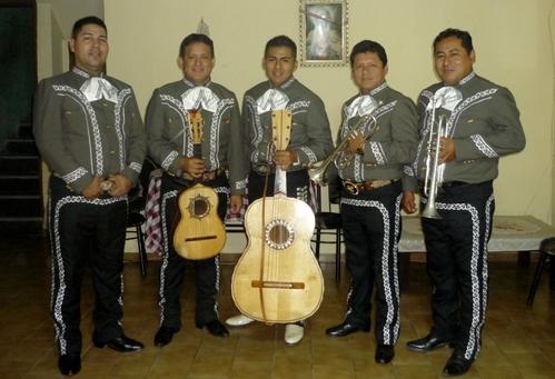 Peru Mariachis - Mariachi Real de Mexico-Gruppen-A1-7885805 Charros