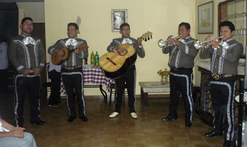 Mariachi Show on the day of the Mother-Mariachi Real de Mexico-Lima