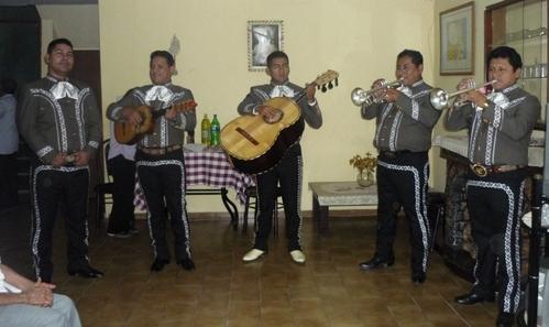Lima-Peru-Mariachis Mariachi Real de Mexico-