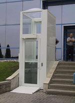 elevador con torre integrada