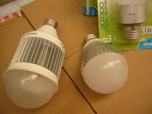 Iluminación LED, Bombillo ecológico solo 20% energía Incandescente