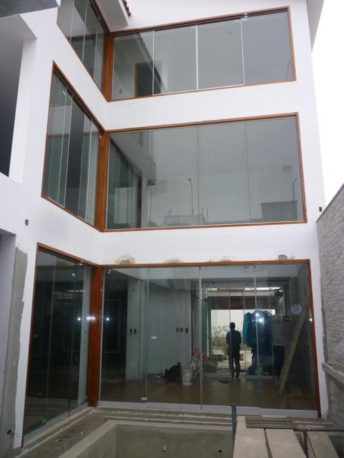 WINDOW AND SCREEN (MILD)