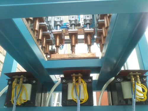 Multipoint Elektro-Schweißgerät mit SPS-gesteuerte pneumatische
