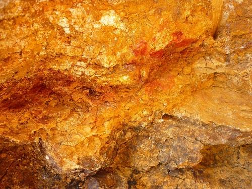 oro filon en roca