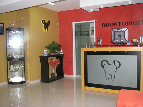 ENGLISH SPEAKING DENTIST IN LIMA
