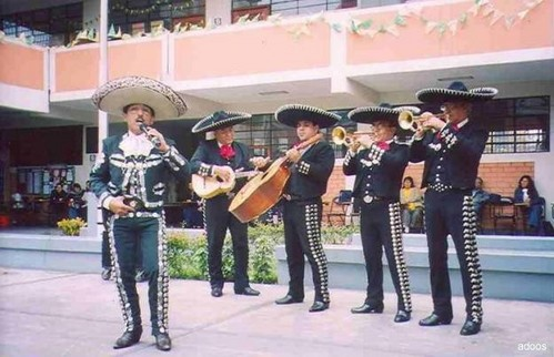 Mariachis in the northern cone