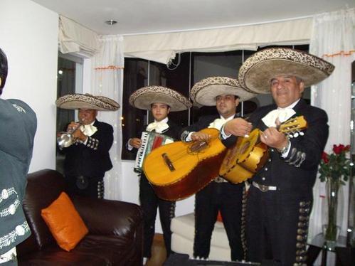Mariachis en la Victoria - Charros de la Victoria - victoria mariachis