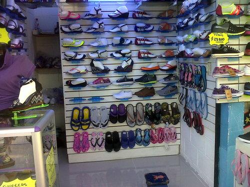 Calzado Franco´s - Local 50 Centro Comercial Metroplaza
