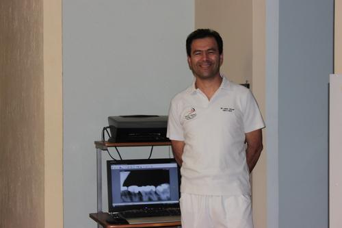 Dr. Ervin Bernardo Lopez Collegiate Urizar 1999
