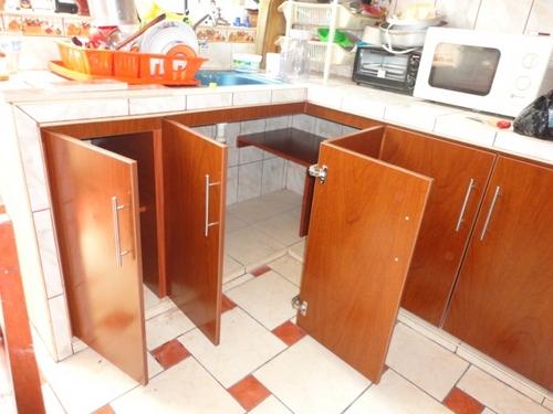 mueble de cocina parte baja enchapado en mayolica