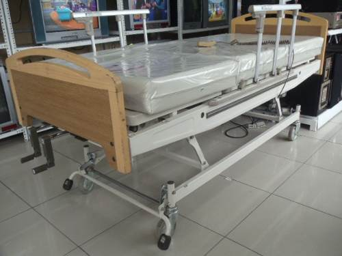 Electric hospital bed in Lima