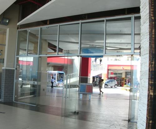 Mamparas de Ingreso Centro Comercial