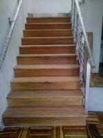 escalera metalica enchapado con madera