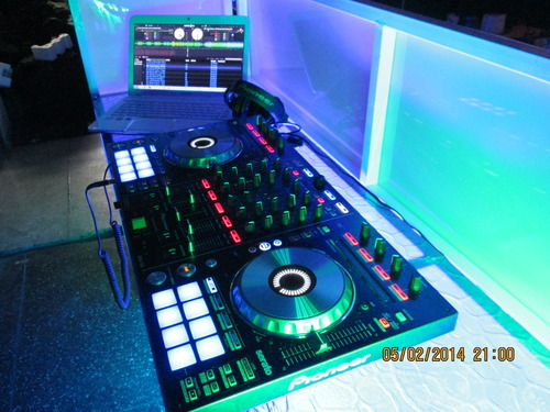 Dj booths / awnings Giovanna