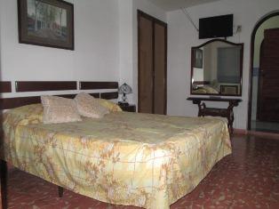habitaciones de casa hostal bayamo, cuba