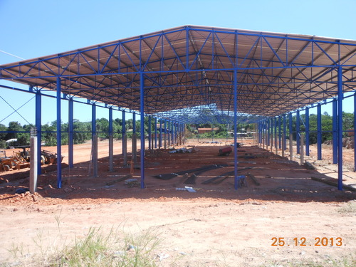 Metallstruktur im Bau