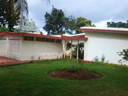 Frente y Jardín