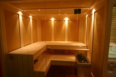 Sauna seca con cromoterapia indirecta
