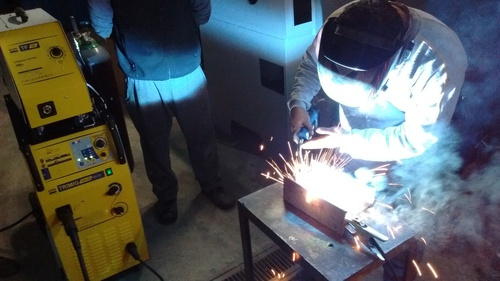 Application: Automotive Welding Carrocerias with Process MIG / MAG