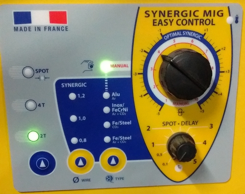 Panel de Control Sinergico de Soldadora MIG-MAG Marca GYS-Francia