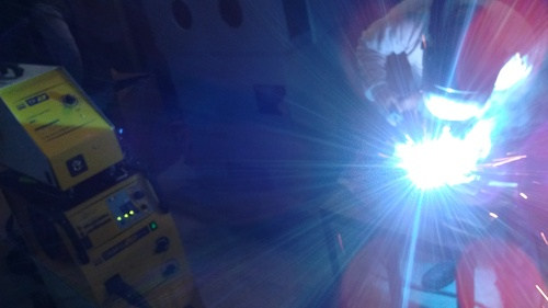 Application: auto body welding process MIG / MAG synergic