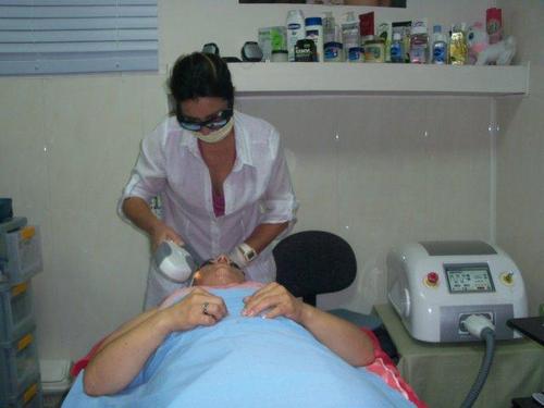 Salon de Belleza Depilación laser para remover el pelo definitivament