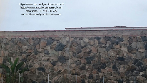 enchape de piedra irregular tipo rompecabezas en piedra talamoye