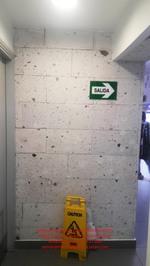 sillar blanco en la pared