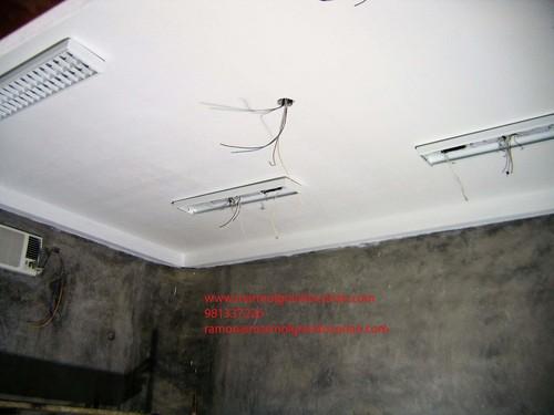 enchape de corian en el techo